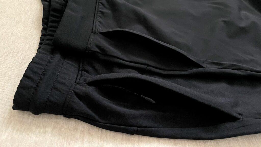 ウルトラストレッチアクティブジョガーパンツのサイドポケットを比較